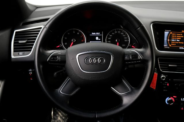 Pre-Owned 2015 Audi Q5 Premium Panorama Sunroof Audi Sound System Three Zone Climate